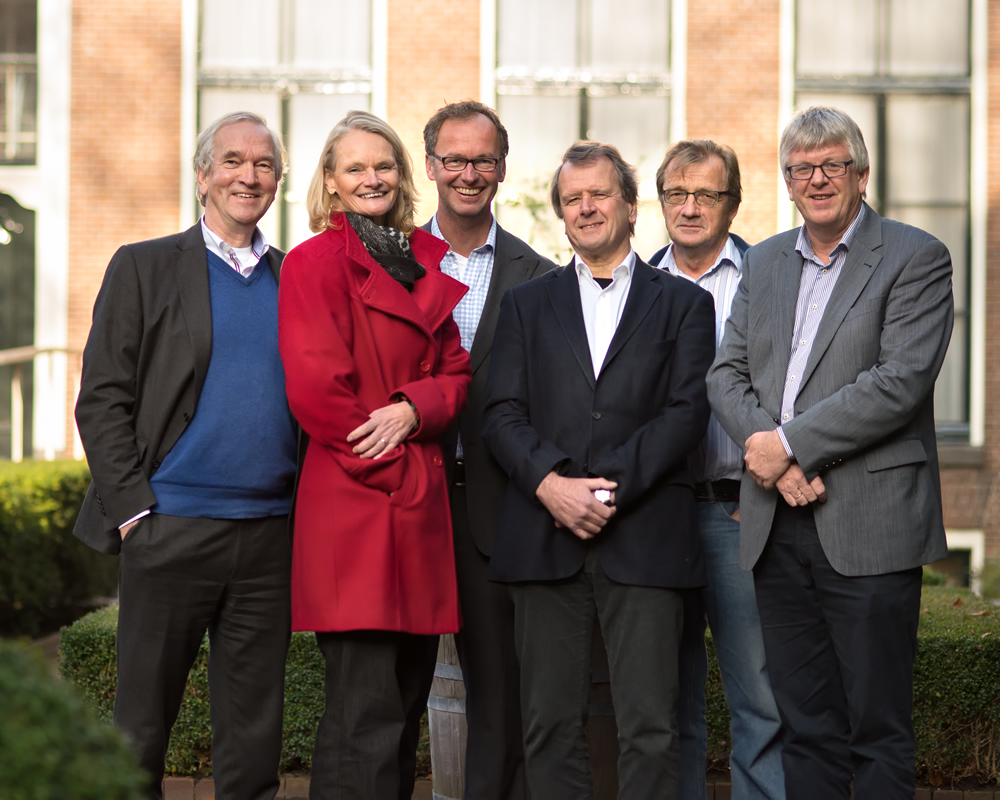 The board of the Waddenacademie, f.l.t.r: Pier Vellinga, Katja Philippart, Klaas Deen (executive secretary to the Board), Hessel Speelman, Meindert Schroor, Jouke van Dijk (chair). Fotografie: Walther Walraven.
